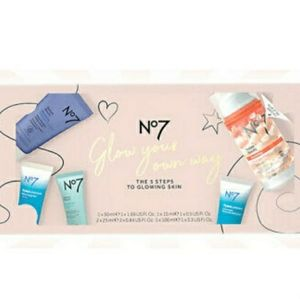 Boots No7 Glow Your Own Way 5 Piece Gift Set NWT